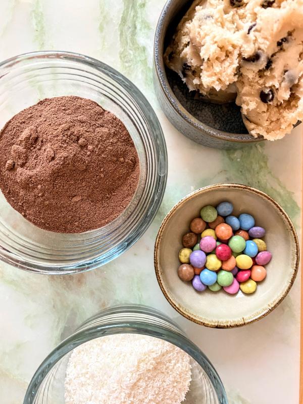 Zutaten für die Cookie Dough Donuts